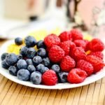 plate-of-blueberries-and-raspberries